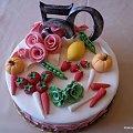 Urodziny 50- te #urodziny #TortyOkazjonalne #owoce #warzywa #piędziesiątka