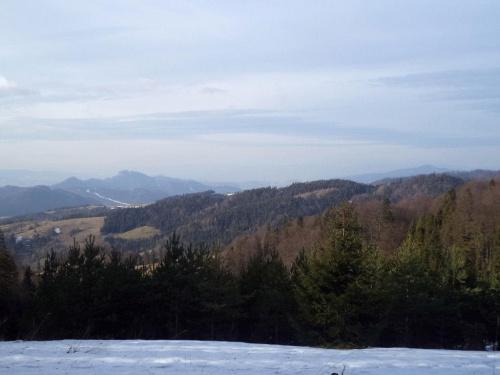 Pieniny i Lubań spod Pokrywiska #góry #beskidy #BeskidSądecki #RuskiWierch #obidza #rozdziela #BiałaWoda