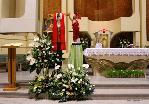dzisiaj 27.04.2014 w dniu kanonizacji Jana Pawła II nasze dzieciaczki przystępują do Pierwszej Komunii Świętej ... #bukiety #KościółPwDuchaŚwięteiINMP