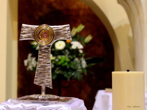 dzisiaj 27.04.2014 przeżywamy uroczystość kanonizacji Jana Pawła II i przy tej okazji w naszym kościele mamy możliwość uczczenia Jego relikwii ... #bukiety #KościółPwDuchaŚwiętegoINMP