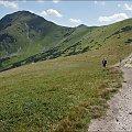 Rakoń, a za nim Wołowiec #góry #Lipiec2013 #Rakoń #Tatry #TatryZachodnie #Wołowiec