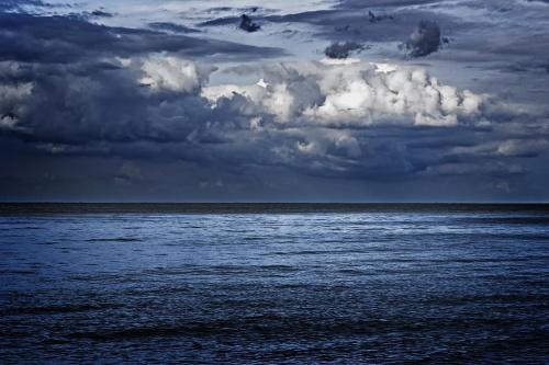 Chmury nad Bałtykiem